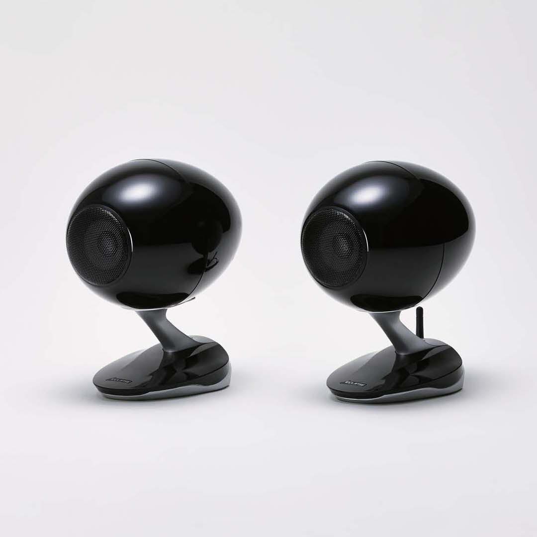 Set of TD-M1 wireless speakers in black