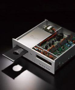 Luxman D-05 music player