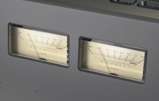 Luxman M-900u meters