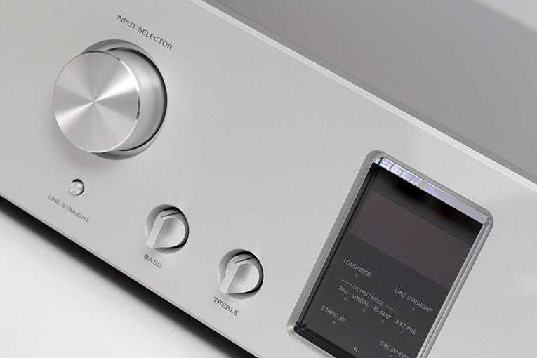 Luxman C-900u - PC – Doug Schneider, SoundStage! Network