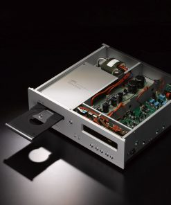 Luxman D-05 music player